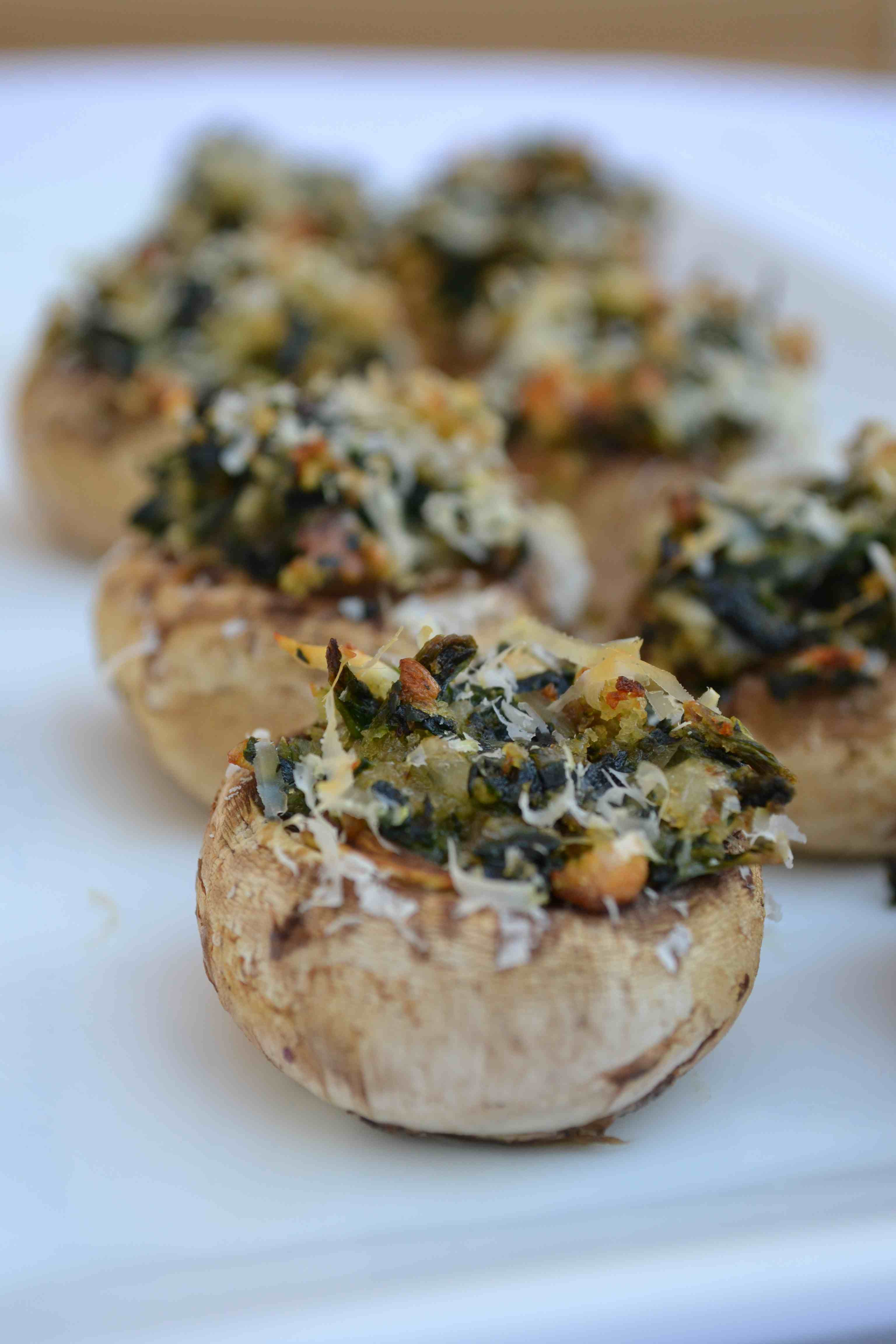 Gruyere and Spinach-stuffed Mushrooms | Minced