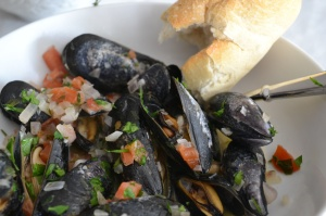 Mussels with White Wine, Shallots, and Tomatoes