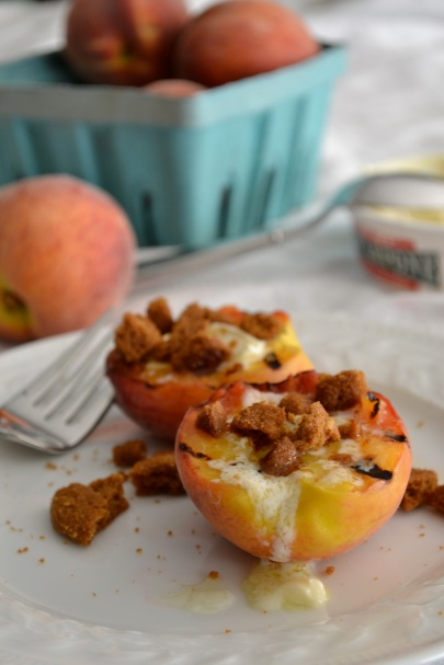 Grilled Peaches with Mascarpone and Gingersnap Crumbles