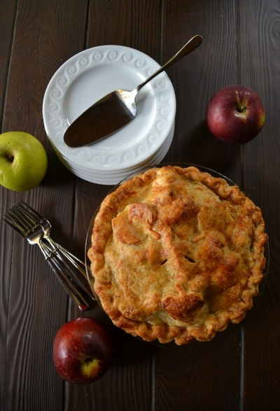 Homemade Apple Pie with Cheddar Cheese Crust