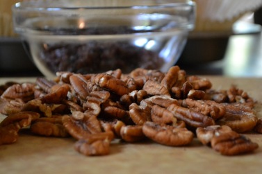 Whole shelled pecans